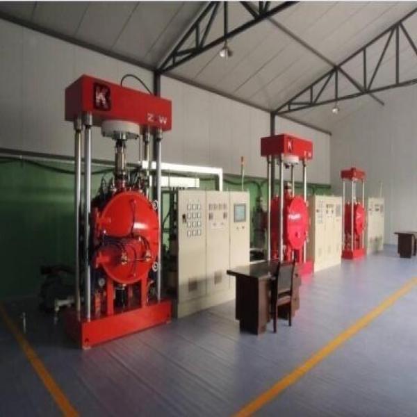 Vacuum diffusion bonding equipment